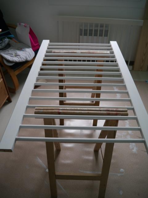 lit de b b et pochoir fait maison atelier de la libellule lunettes. Black Bedroom Furniture Sets. Home Design Ideas