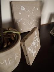 dessin-papillon-blanc-sur-chassi-carre