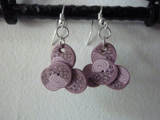 boucles-d-oreilles-roses-en-pate-polymere