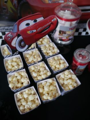 sweet-table-anniversaire-cars-pop-corn